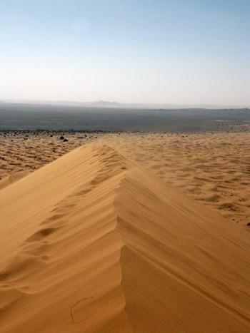 Die Wüste Erg Chebbi im inneren des Landes.